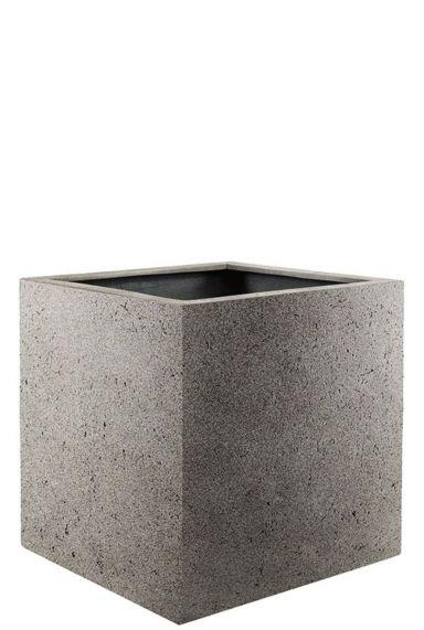Vierkante plantenbakken grijs beton